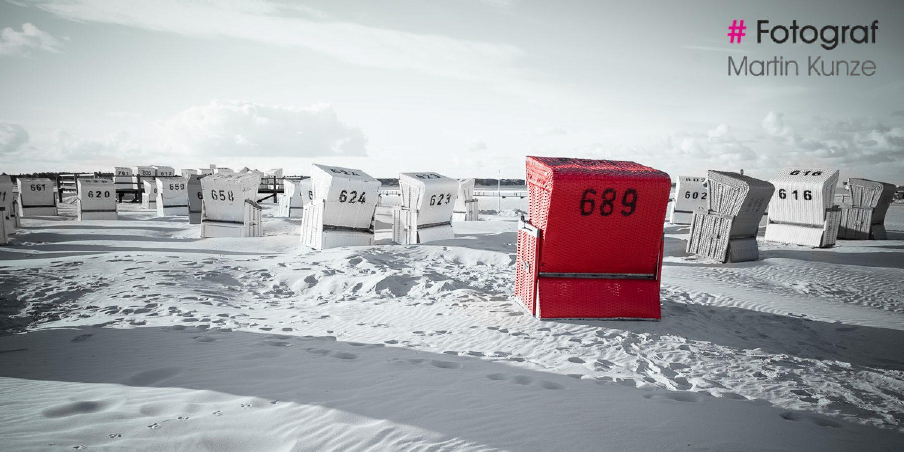 Roter Strandkorb - Landschaftsaufnahme Sankt Peter Ording