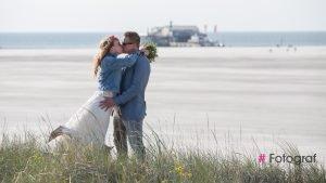 Durchgebrannt -Hochzeit zu zweit am Strand